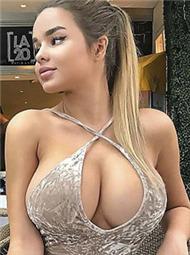 俄罗斯版卡戴珊 沙漏身材纯天然