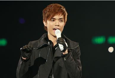 张敬轩缺席演唱会被放弃?英皇回应:百分百支持他