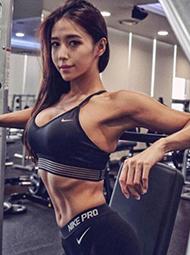 韩国一美女萝莉脸配完美肌肉走红