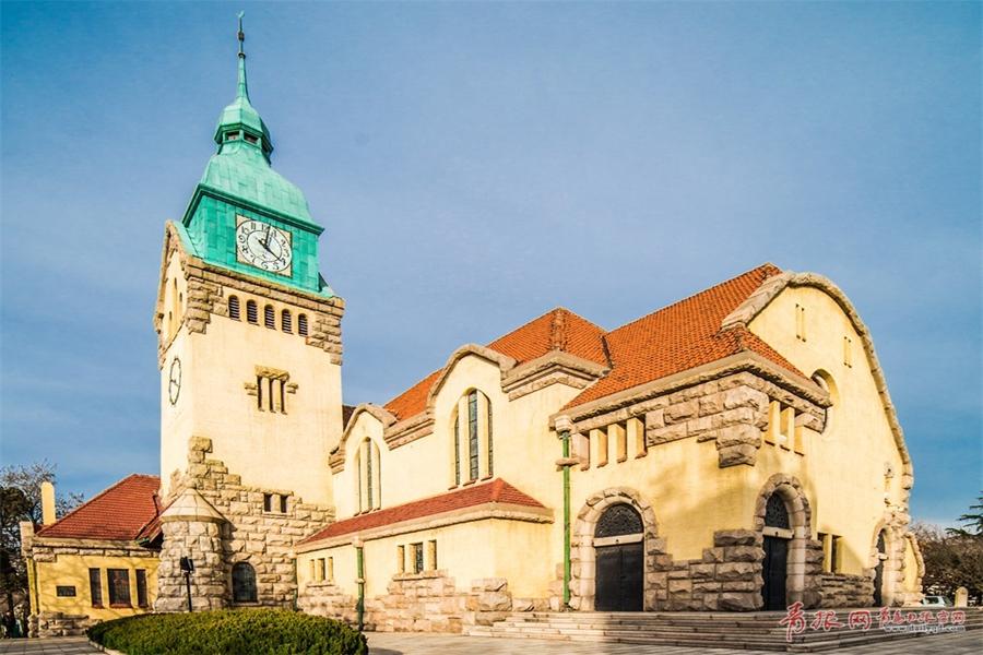 飞越百年青岛基督教堂 聆听历史声音