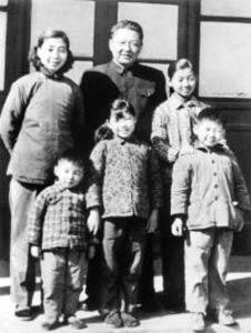 """哪位国家领导人亲自出面""""挡驾""""不让儿子调进北京"""
