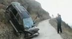 太惊险!第一视角实拍车辆冲下悬崖连续翻滚