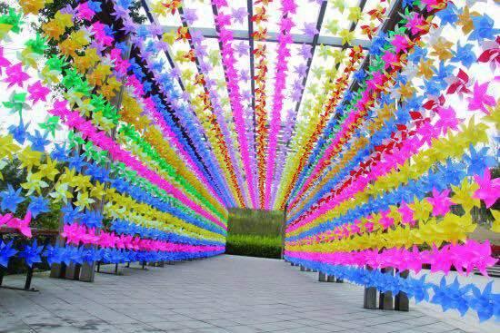 乐享旅游  泰安方特荷兰风车节充满了童话气息,风车交响乐,风车花海小