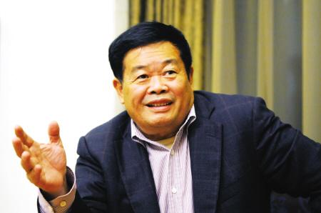 支付宝称5年推动中国无现金 曹德旺:我看要两百年