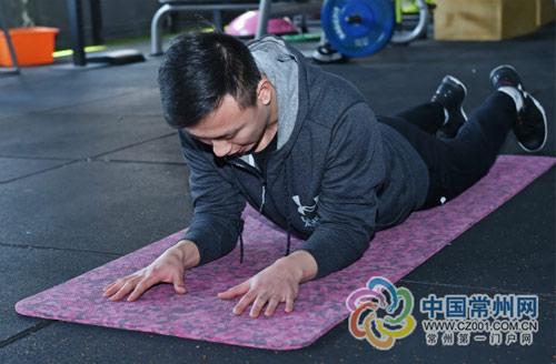 坏消息!平板撑只能练肌肉,却不能减掉肥肉!_减肥饮料
