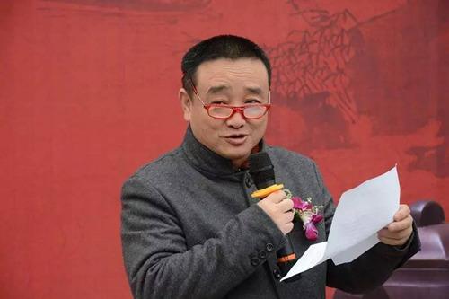苏州美术家协会副主席兼秘书长陈危冰先生致开幕辞