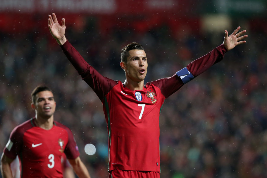 世预赛葡萄牙3-0匈牙利 C罗梅开二度