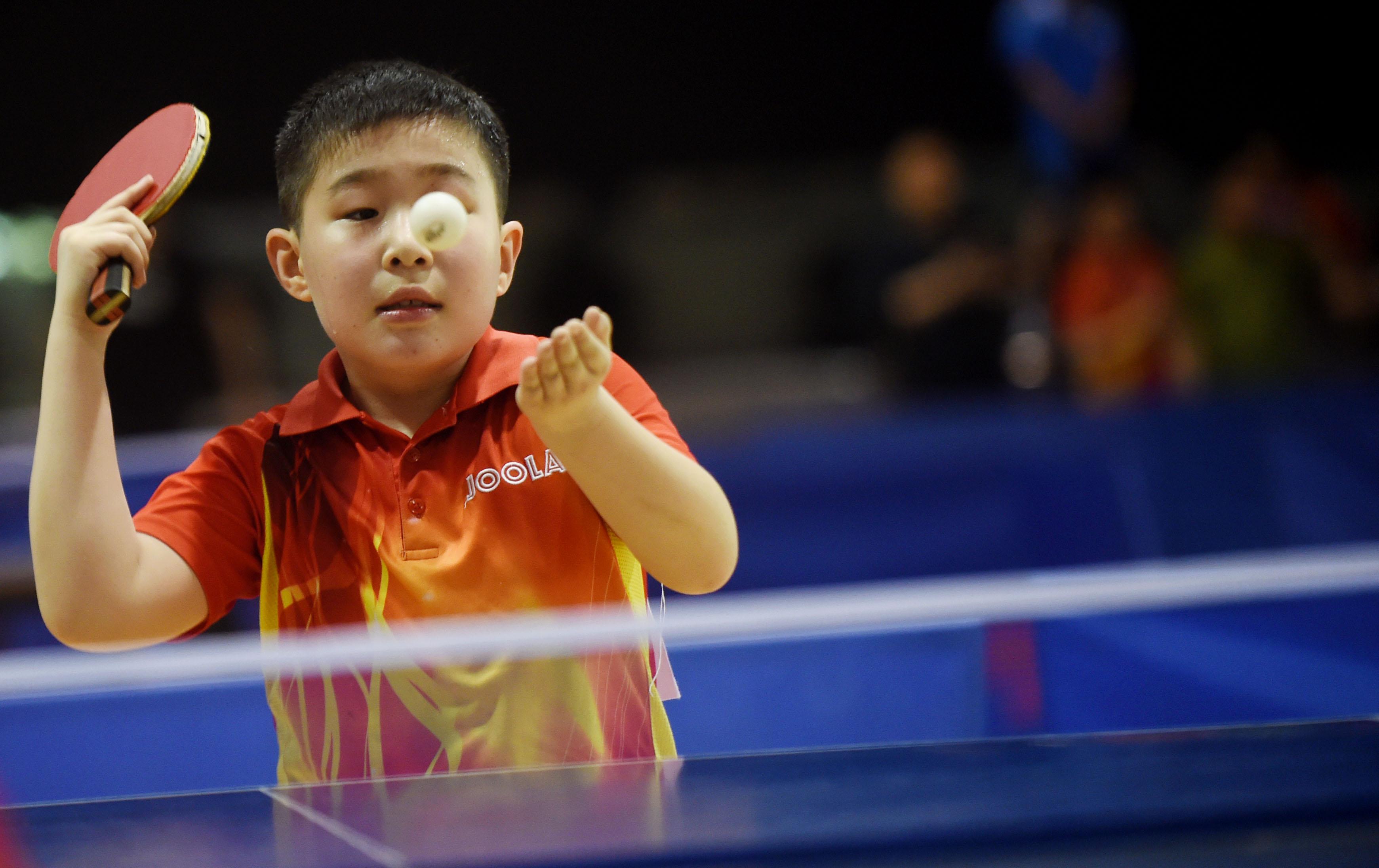 来自全市共500名乒乓球小运动员参加了此项赛事