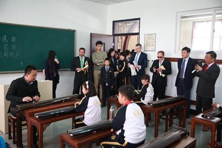西班牙华人华侨协会会长李志俊一行到访格兰德