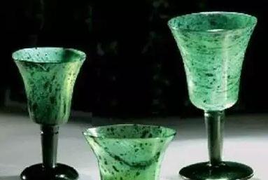 中国酒杯简史 从新石器时代的高脚杯到当代的 壶喝
