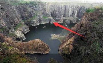 中国工程奇迹之一!耗时十年 将巨石坑变成五星级酒店