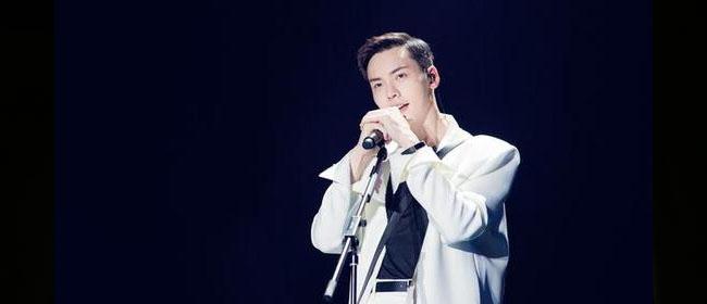 陈伟霆为站上舞台去学唱歌 无名时每月仅有1800