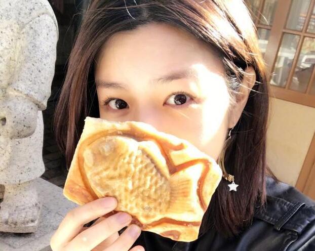 陈妍希晒美食素颜美到爆