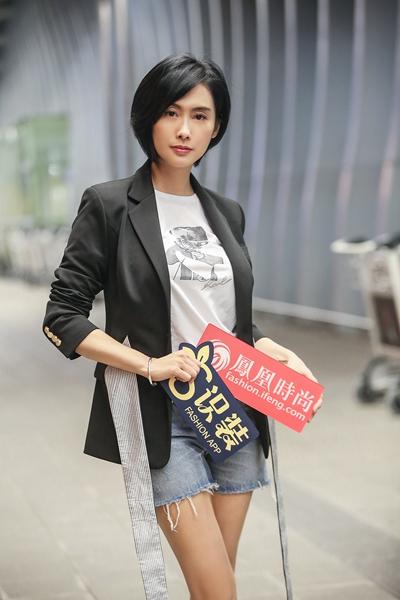 独家:朱茵出发戛纳电影节 集帅气性感时髦于一身的她不要太美