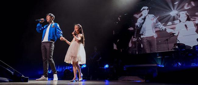 张杰世界巡演抵达温哥华 与歌迷合唱《我的中国心》