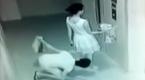 独行女子正在等电梯 随后监控拍下无耻一幕