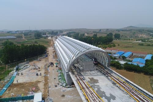 地铁11号线作为青岛市首个开工建设的高架线路