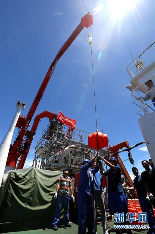 中国科考队在7000米海沟捕获2条狮子鱼_资讯频道_凤凰网