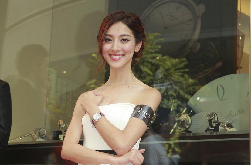 陈凯琳计划两年内嫁郑嘉颖 向往旅行结婚