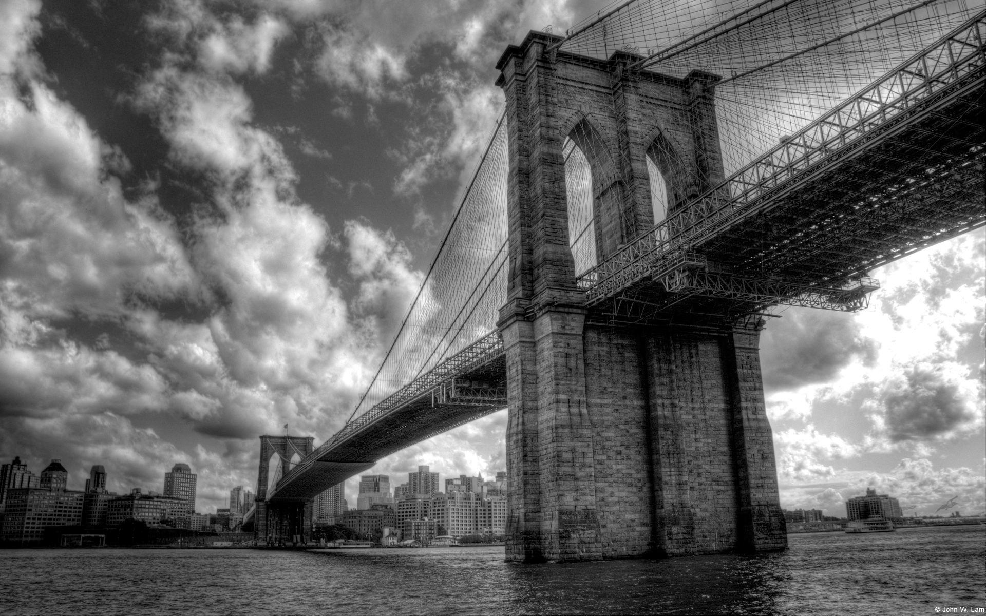 建大桥的计划宣布以后,岛上土地的价格一年翻了五倍