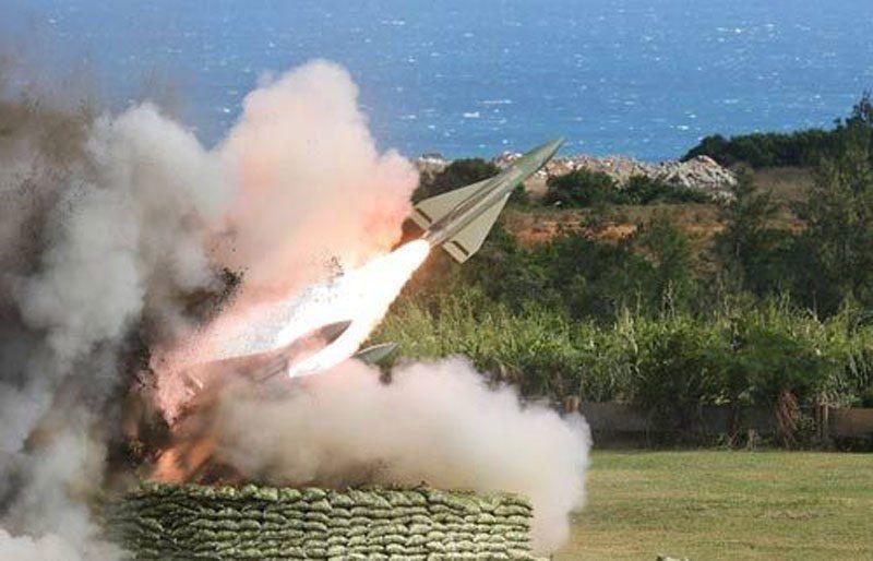 台军试射2枚导弹半空爆炸 当地村民发文: 别打了