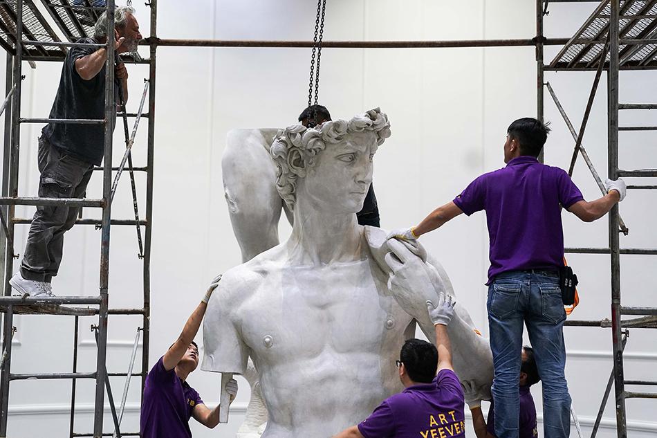 """米开朗基罗穿越500年:美男""""大卫""""雕像组装完成"""
