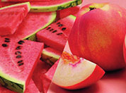 西瓜桃子同吃会死?专家破谣言