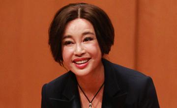 62岁刘晓庆近照曝光