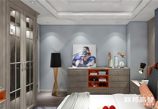 新闻  去繁留简,客厅空间设计张弛有度,优雅的欧式线条搭配醇厚的摩卡