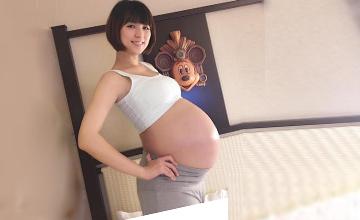 女星产期将近 孕肚惊人