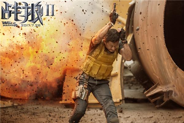 《战狼2》烧烫暑期档 网友:看完电影想当兵