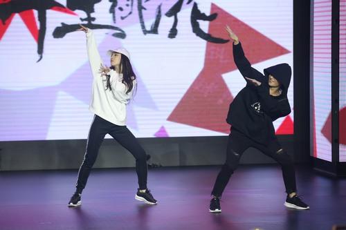 电影《三生三世》首映 刘亦菲杨洋秀嘻哈尬舞