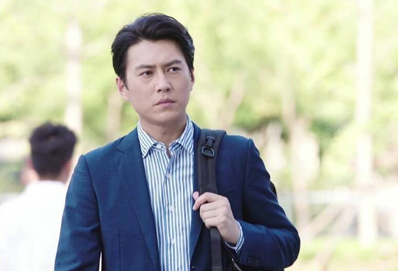 靳东为什么成为挑错游戏的男主