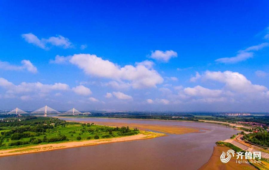从黄河起飞,航拍济南城市地平线