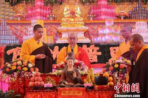 学诚大和尚内蒙古调研:出家僧尼要传承佛教优良传统