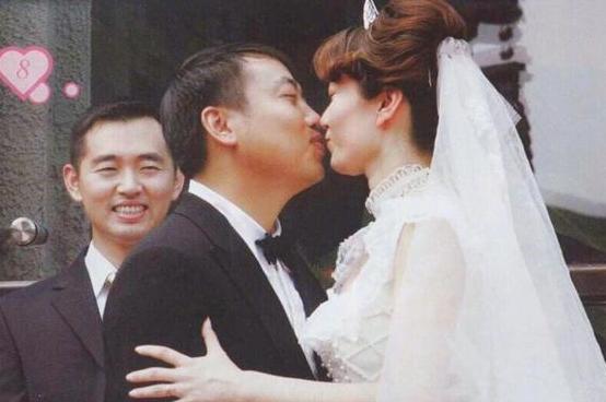 刘国梁发文纪念结婚纪念日 首次透露军旅生涯结束