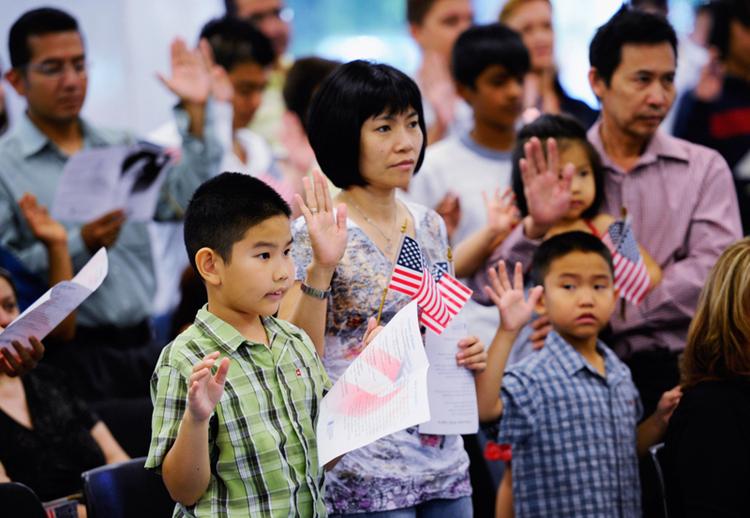 8月25日全球头条:移民美国要变难了!