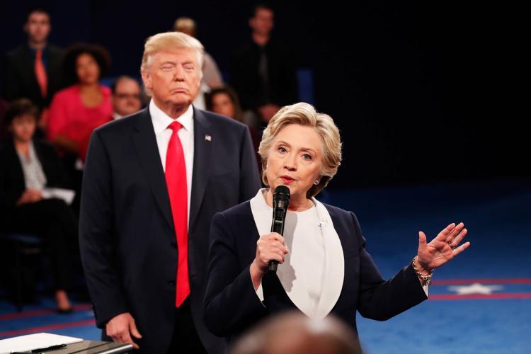 """8月24日全球头条:希拉里终于向特朗普""""开炮""""了"""