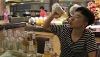 重庆小伙吃68元自助一顿喝掉200瓶啤酒