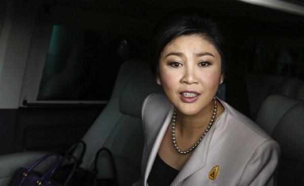 泰国锁定英拉逃离疑乘车辆 多辆车进出寓所打掩护