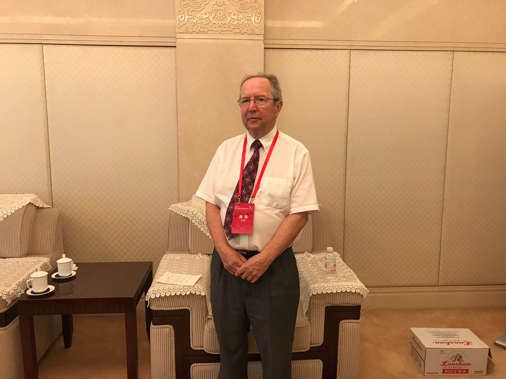 """四、意义深远:我市承办的第一次最高规格地下空间领域大会,对青岛地下空间开发利用具有积极的推动作用 作为国内最高级别和水平的地下空间学术会议,国际地下空间学术大会(IACUS2017)继2003年、2006年、2009年、2014年分别在北京、深圳和南京等城市召开后,今年首次""""走""""进青岛,为岛城献上了一场地下空间领域的""""学术盛宴""""。 同时,这是国际地下空间学术会议首次由国有投资平台公司承办,对推动我国地下空间研究从学术理论到落地实践,进一步密切政府、协会、企"""
