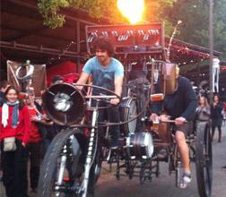 这样奇葩的自行车也只有你们能骑