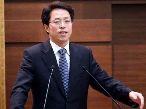 中联办主任张晓明离任赴京:我一直在你身边 从未走远