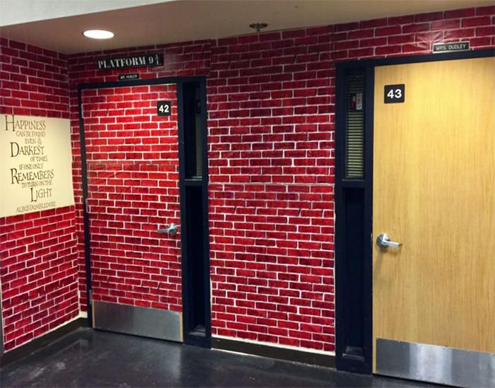 老师花5周时间 把教室打造成了霍格沃茨