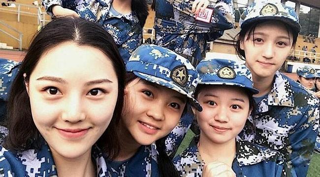 林妙可大学军训照曝光 女同学个个都是高颜值!