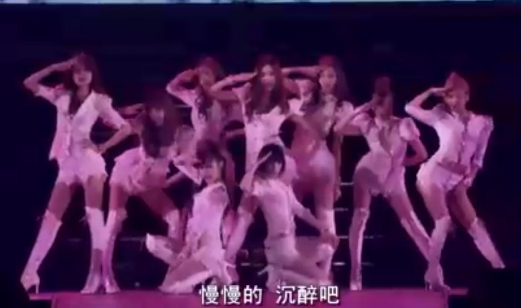 视频:少女时代日本巡演出场方式炸天