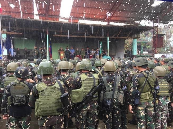 菲总统杜特尔特在大雨中宣布:马拉维解放(组图)