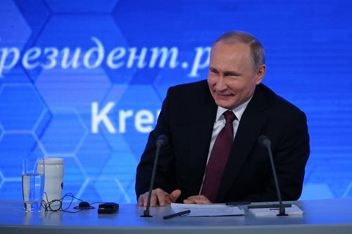 普京警告美国:若退出中程核武器条约 俄也照做