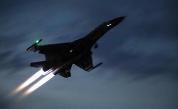 南海上空海航大战空军 空中突然闯入第三方力量