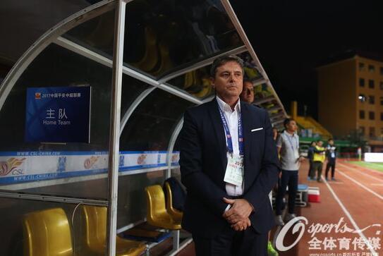 富力主帅:坚持技术流 常与温格分享新足球理念
